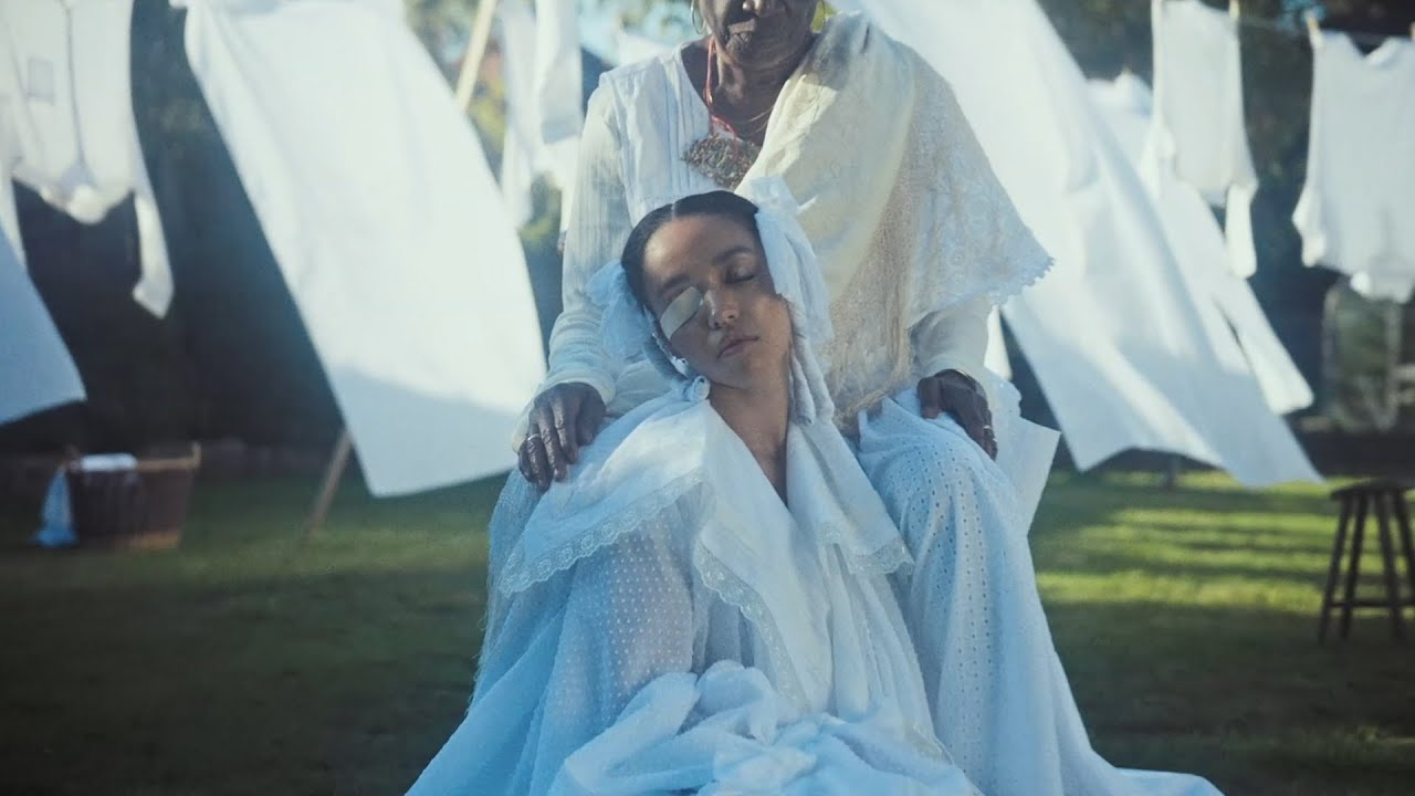 Musikvideo: FKA twigs – home with you